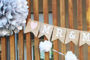 Architectural Details with a Custom Garland Add Sweetness to this Wedding Photo Gallery